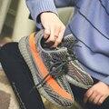 Yeezy Mujeres Amantes de las Zapatillas de deporte Zapatillas de deporte de Los Hombres Zapatos Para Correr de Malla de Aire Luz Transpirable Zapatos Deportivos Masculinos Zapatos de Las Señoras Cómodas Entrenadores