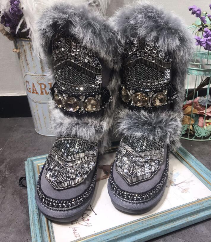 Original homemade European station heavy work sequins rhinestone beaded leather hair one leather thick snow boots Original homemade European station heavy work sequins rhinestone beaded leather hair one leather thick snow boots