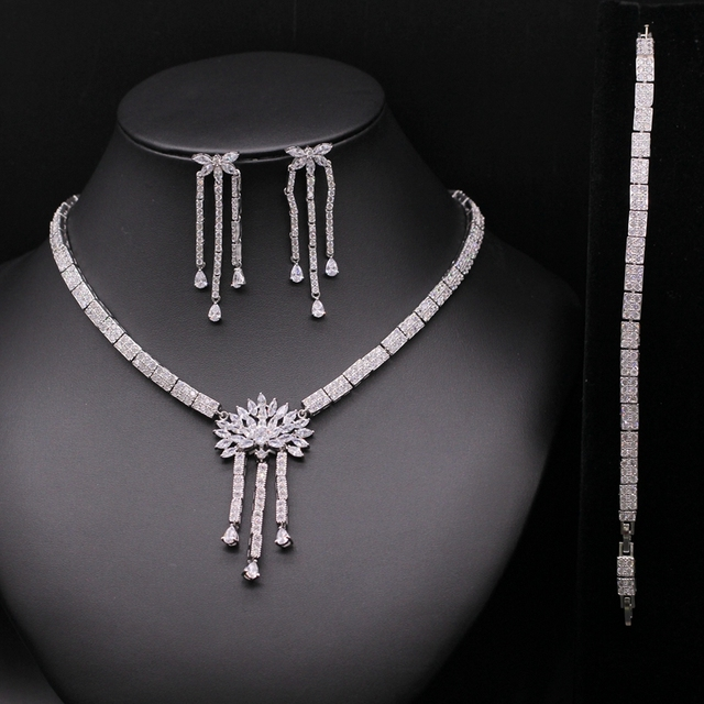 Super de Lujo Accesorios de la Boda de Nigeria Africano CZ Pulsera Del Pendiente Del Collar Conjuntos De Joyas De Diamantes de Cristal de Novia Para Las Novias