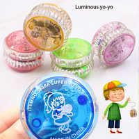 Novo de alta qualidade 10 pçs luz criativa pequenos brinquedos coloridos yo-yo crianças clássico brinquedos led flash mini yo-yo