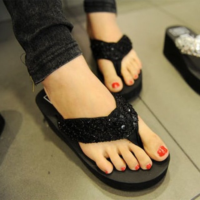 Women's shoes 2018 new summer Beach Herringbone sandals and slippers wholesale Female slippers with sequined flip-flops цены онлайн