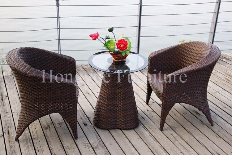 Material una mesa dos sillas de mimbre al aire libre juego de ...