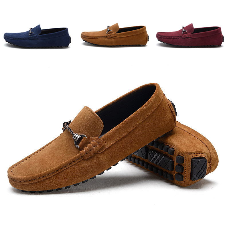 The small cat Suede Leather Men Loafers Moccasins Designer Men Casual Shoes Breathable Flats