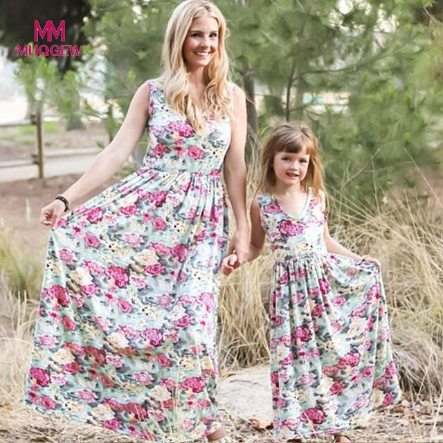 Mother Daughter Dresses Floral Print Family Matching Clothes mommy and me  clothes Summer Sundress Sleeveless Dresses vestidos a2229aa14337