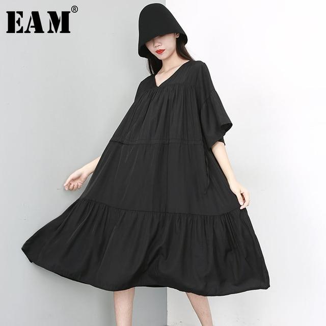 [EAM] 2019 New Spring Summer V- Neck Half Sleeve Black Pleated Split Joint Loose Big Size Temperament Dress Women Fashion JU674