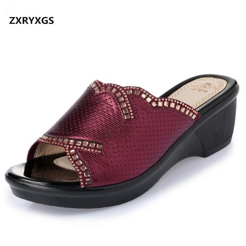 Elegant Fashion Rhinestone Shoes Women Summer Sandals Slippers 2019 Big Size Summer Casual Shoes Woman Slippers Wedges SandalsElegant Fashion Rhinestone Shoes Women Summer Sandals Slippers 2019 Big Size Summer Casual Shoes Woman Slippers Wedges Sandals