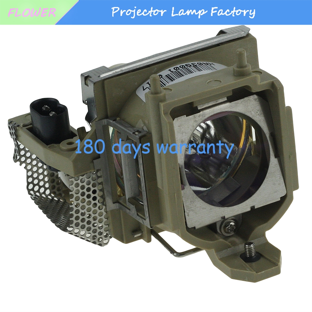Free shipping Compatible Projector lamp TLPLW7 with housing for TOSHIBA TDP-P75 free shipping compatible projector lamp with housing r9832752 for barco rlm w8
