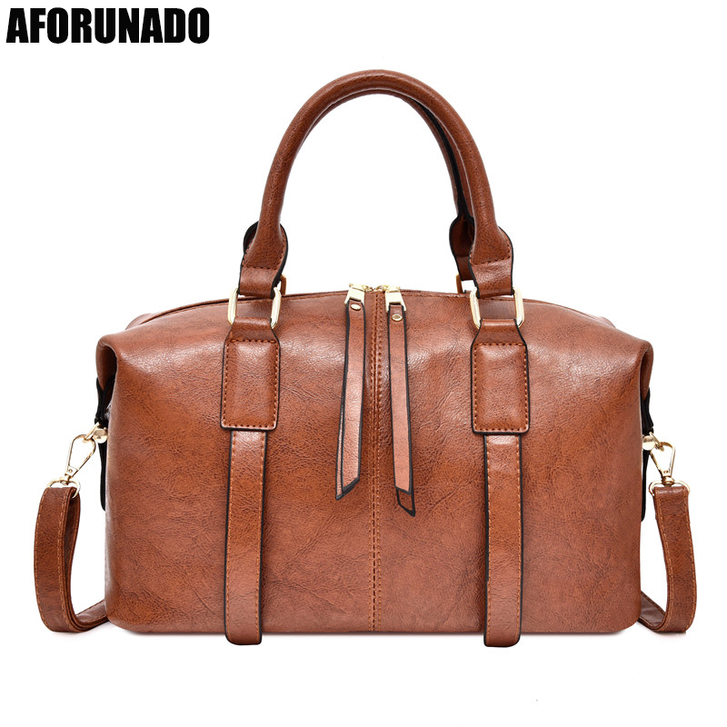 2019 Luxury Oil Women Handbag Leather Doctor Bag Women Shoulder Bag Female Crossbody Handbag Lock ChainGirls Vintage Women Bags(China)
