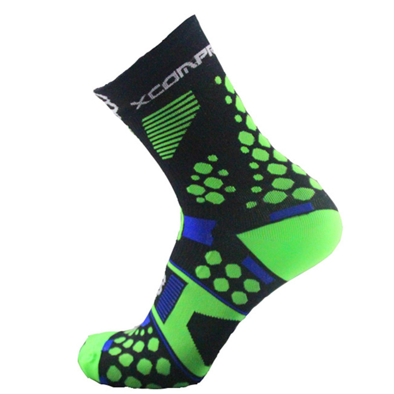 Men-s-High-quality-Professional-brand-sport-socks-Crew-Bike-Footwear-Stockings-Barreled-personality-style-Women (1)