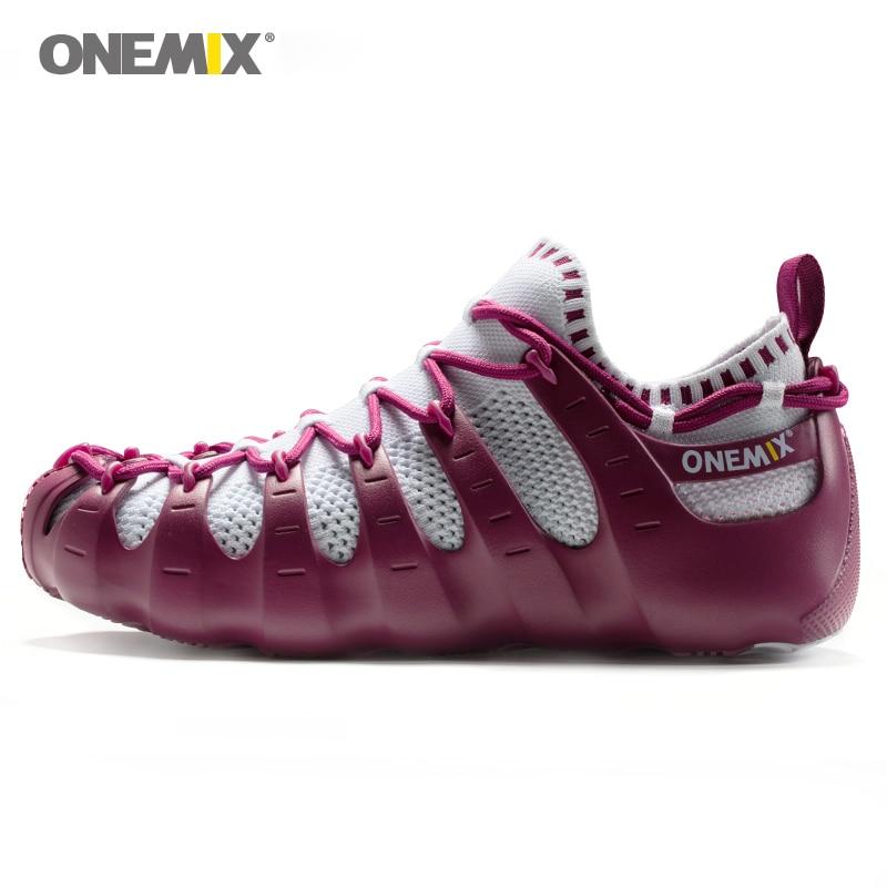 Onemix мужчин и женщин пляжные сандалии Обувь в римском стиле Гладиатор набор обувь света холодный уличная прогулочная обувь носок-как тапочк...