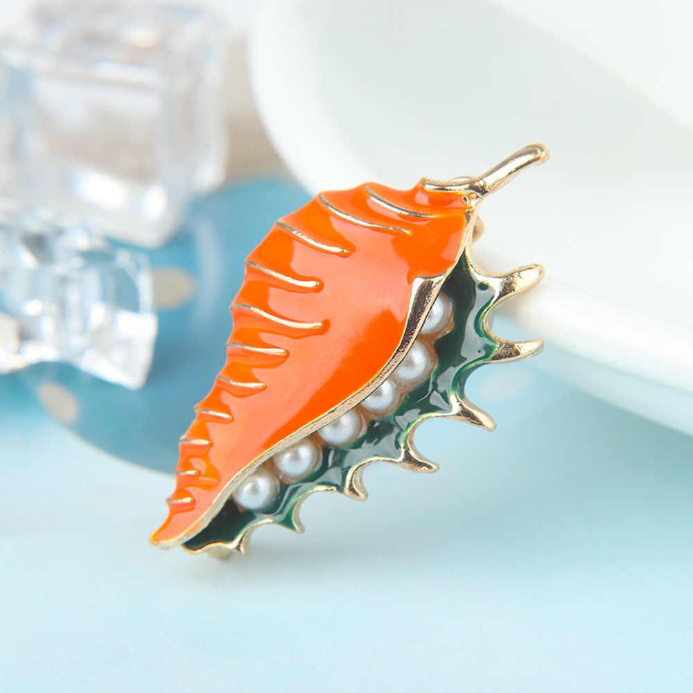Fashion Alloy Simulasi Mutiara Conch Shell Bentuk Bros Jaket Sweter Mantel Pin Wanita Perhiasan