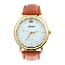 Watch Women Clock Luxury Neutral Man Faux Leather Band Analog Quartz Dial Wrist Watch Beautiful Comfortable Vintage Popular C5