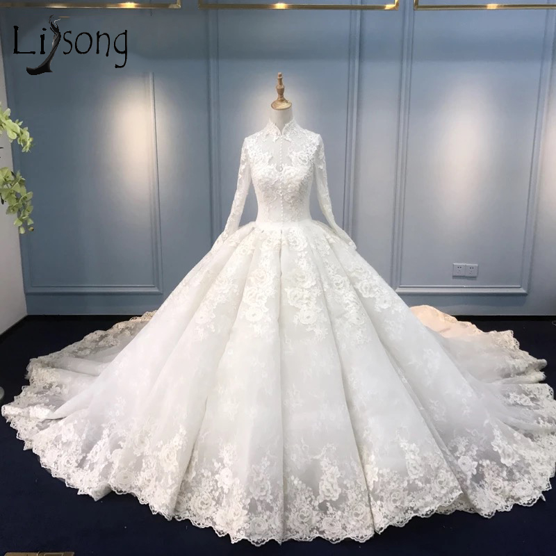 Muçulmano Lace vestido de noiva Vestidos de Casamento 2018 Do Vintage Gola Alta Mangas Completos Vestidos de Noiva Botão Puffy Custom Made Vestidos de Casamento Em Dubai