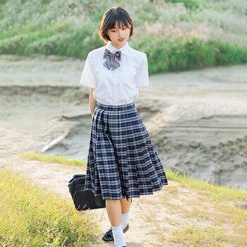 23a27bfc9 Verano de 2019 la escuela japonesa uniformes anime cos marinero traje tops  + corbata + falda + jk estilo de la Marina de los estudiantes ropa para  chica ...