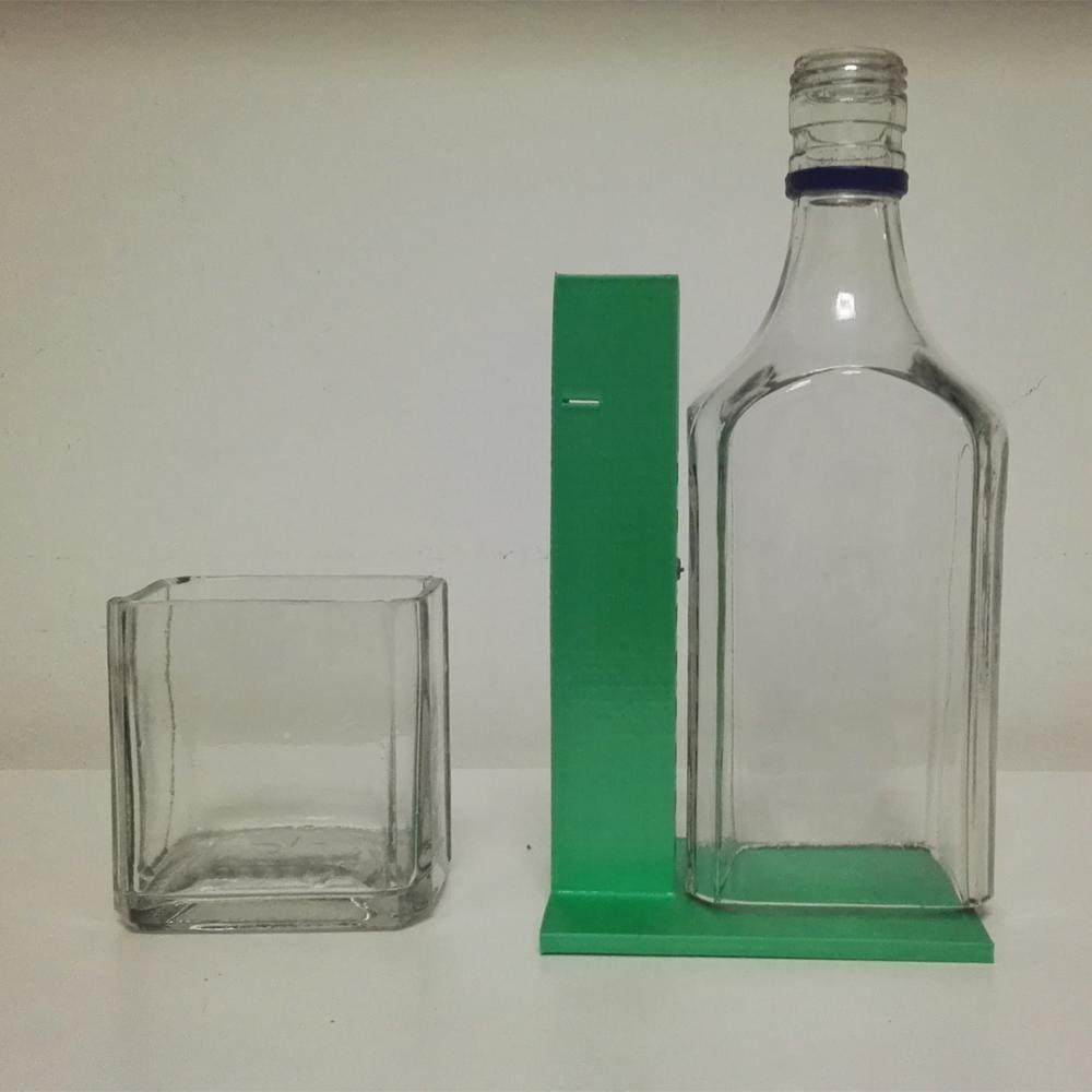 bouteille coupe bouteille carr e cutter bouteille en plastique cutter bouteille en verre. Black Bedroom Furniture Sets. Home Design Ideas