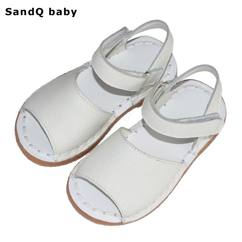 여자 샌들 2019 새로운 여름 정품 가죽 어린이 샌들 여자 손을 바느질 일반 어린이 샌들 소프트 유일한 여자 신발