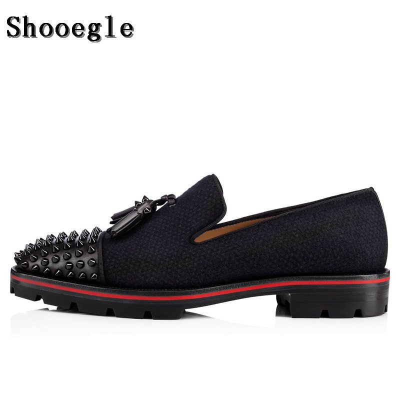 SHOOEGLE Fashion Men Black Tassel Shoes Spikes Studded Lowtop Slip on Loafers Anti-skid Men Casual Party Shoes Size 38-47 fashion tassels ornament leopard pattern flat shoes loafers shoes black leopard pair size 38