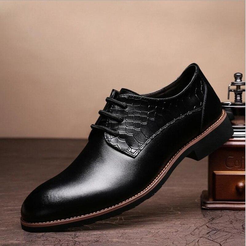 eb057b62b7b Nuevo 2016 hombres Pu zapatos de vestir de moda para hombre trajes de  negocios zapatos planos hombre genuino cuero en Mocasines de zapatos en  AliExpress.com ...