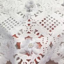 Gratis Verzending (5Yards/Pc) hoge Kwaliteit Wit Afrikaanse Laser Gesneden Kant Stof Met 3D Bloemen En Kralen Voor Feestjurk CLP223