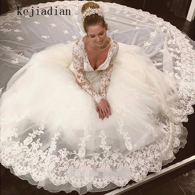 robe de mariage Gorgeous Sheer Ball Gown Wedding Dresses 2018 Puffy Lace Appliques White Long Sleeve Arab Wedding Gowns