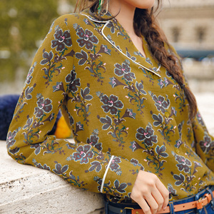 Image 4 - INMAN Spring Autumn Lapel Retro Style Flower Printing Lazy Wind Long Sleeve Women Blouse