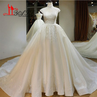 New Vintage Lace Wedding Dresses High Neck Beaded Appliques Sexy Keywhole Back Court Train Bridal Gown