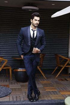 New Fashion Blue Mens Dinner Party Prom Suits Groom Tuxedos Groomsmen Wedding Blazer Suits (Jacket+Pants+Vest+Tie) K:2179
