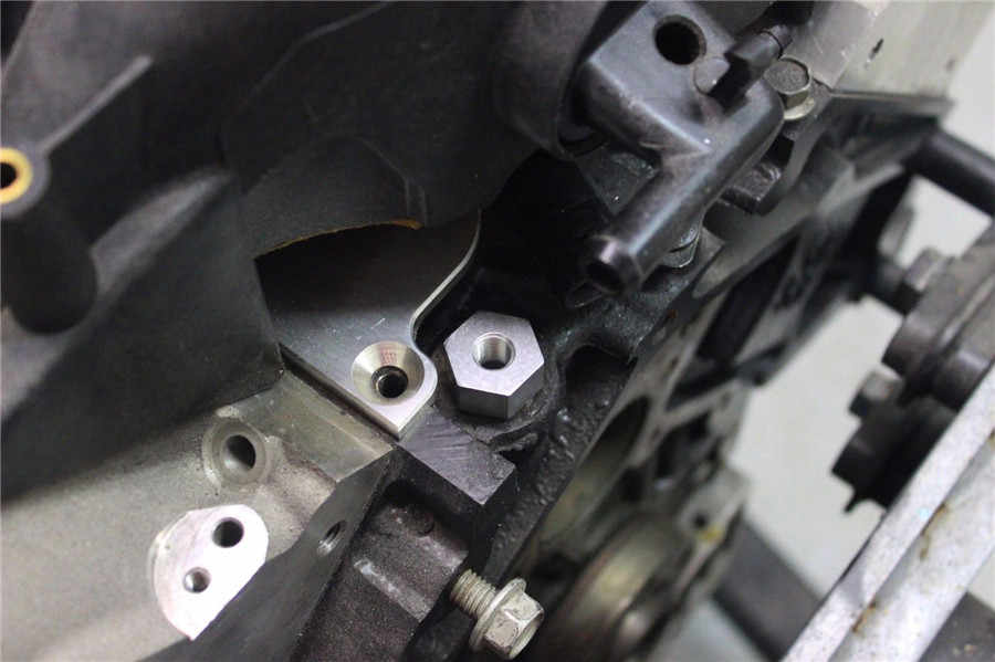 Oil Pressure Sensor Adapter M16x1 5 Female 1/4-18 NPT Turbo Feed Port Gauge  Adapter For LS LS1 LSX LS2 LS3 5 3 6 0
