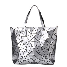 купить HOT Fashion Luminous Bag Women Geometry Diamond Tote Quilted Shoulder Bags Laser Plain Folding Handbags Hologram Women Bag по цене 1485.62 рублей