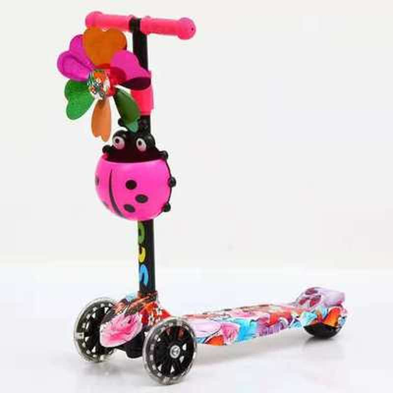 4-Wheel Kick Scooter Children Scooters Adjustable Height Kids Scooter Bike With LED Light Up Wheels Kids Skateboard