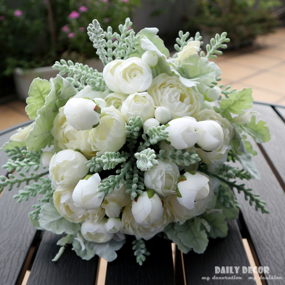 High Simulation 2018 New Artificial White Rose Flower Bouquet