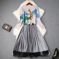 European and American women's 2018 winter clothing new Long sleeved giraffe print sweater + Pleated skirt suit