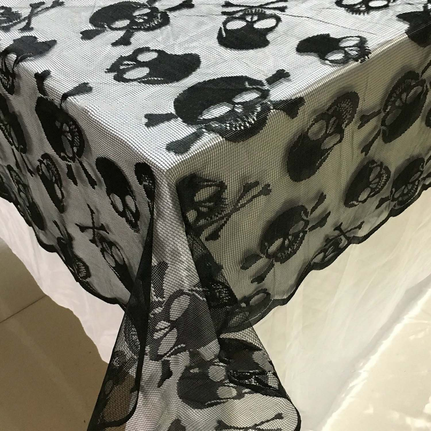 Behogar Halloween Decoration Black Lace Skull Style Table Cover Runner Tablecloth for Dinner Party Scary Movie Nights Decor pug