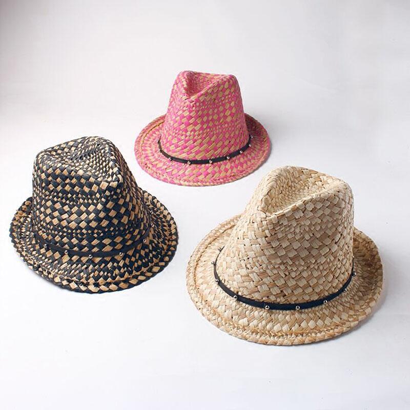 Ozyc verano moda hecha a mano de la playa de las mujeres Boho Fedora  sombrero de paja Sol sombrero hombres sombrero del jazz gángster cap (Un  tamaño  57-58 ... 563edc45524