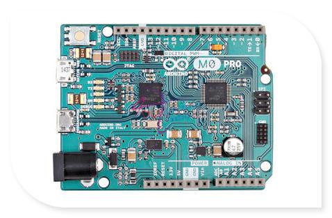 Original italiano M0/MO Pro controlador Board para arduino, ATSAMD21G18 AT32UC3A4256 32-bit 256KB/32KB compatível com arduino UNO