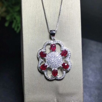 Natural Ruby necklace pendant 925 sterling silver 3 * 4 mm Ruby Beautiful jewelry.