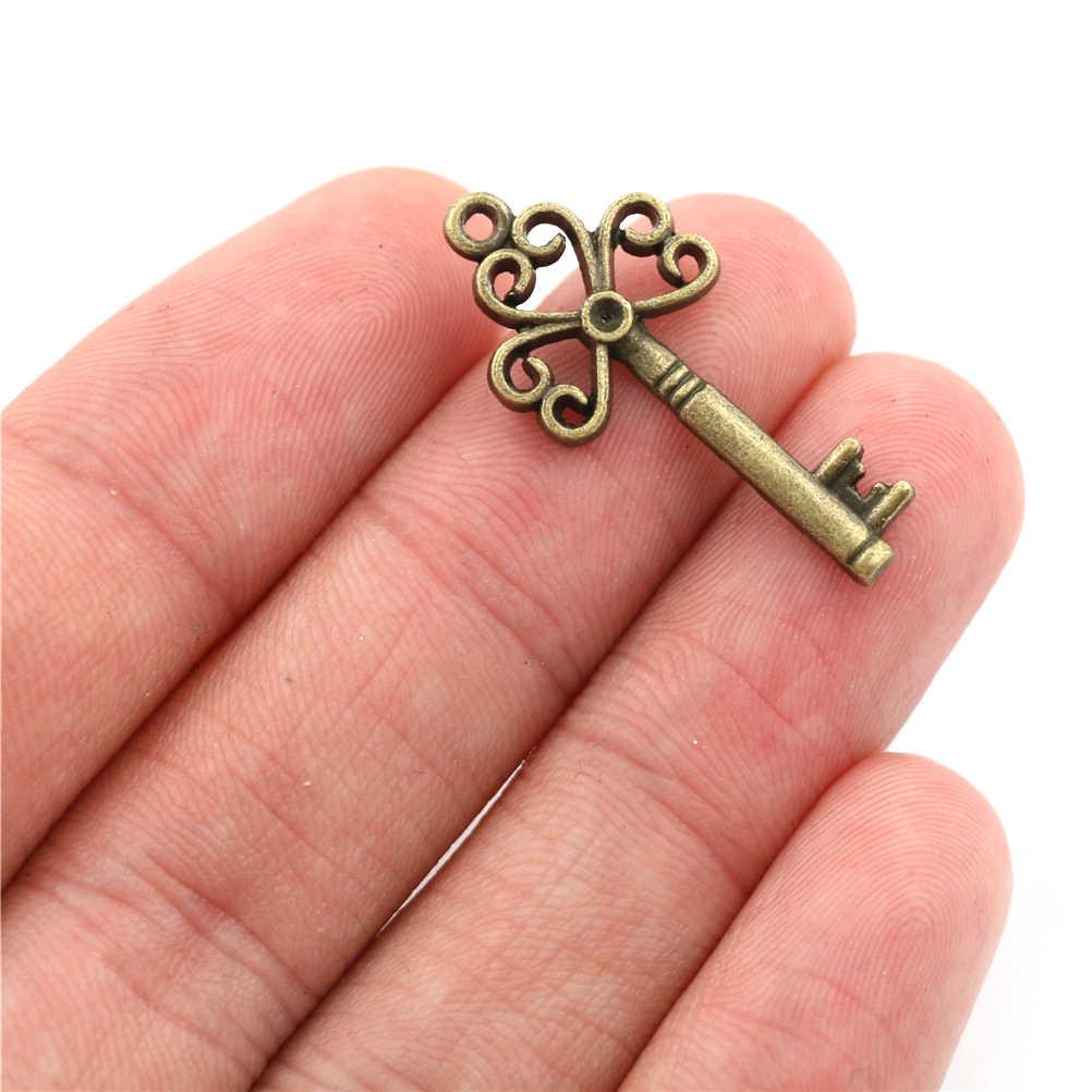 18 unids/set de collar antiguo de aspecto antiguo Vintage colgante de decoración de corazón de lujo DIY artesanía regalos bronce adornado llaves de esqueleto