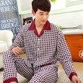 Primavera y Otoño nueva pijamas de punto de algodón de manga larga de los hombres ocasionales de mediana edad aumento Jiafei servicio a domicilio