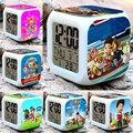 7 Цветов Светящийся LED Изменение Цвета Цифровой Будильник, Отображает время, дату и Температуру, Детские игрушки Мигающий свет Будильник