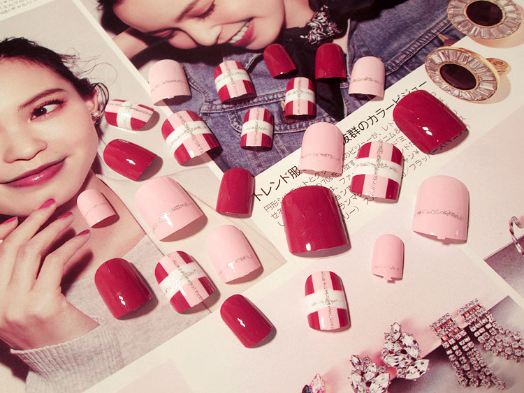 24PCS Pink Red Personality Short Fashion Fake Nails False ShortPatch Finished Nail Art gel Polish Decals Manicure Tool stylish 24 pcs smile expression pattern nail art false nails