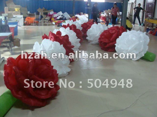 купить Red and White Inflatable Flower Chain for Wedding по цене 18359.33 рублей