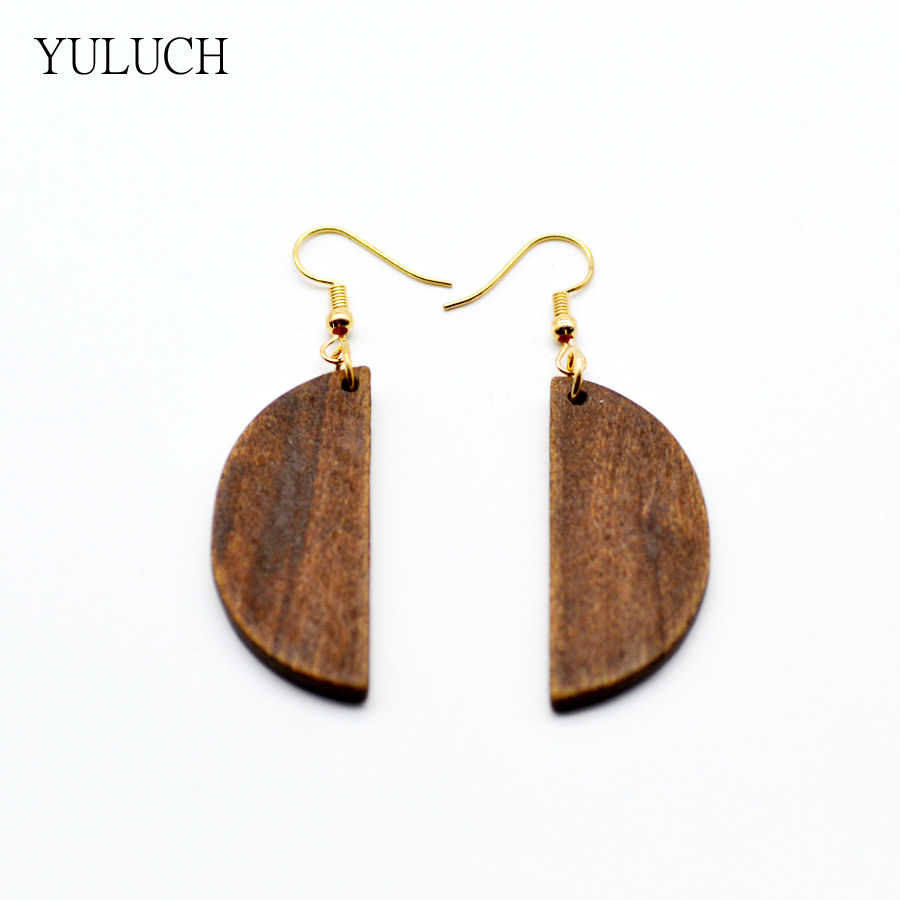2017 Earring Woman Good Quality New Design Round Handmade Earring Wood Stud Hollow