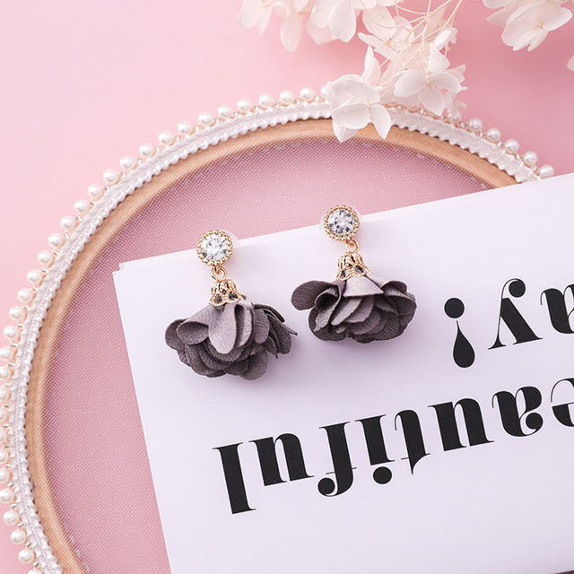 MENGJIQIAO 2018 Korean New Shiny Crystal Cloth Flower Drop Pendientes Mujer Moda Summer Accessories Cute Boucles D'oreilles  2