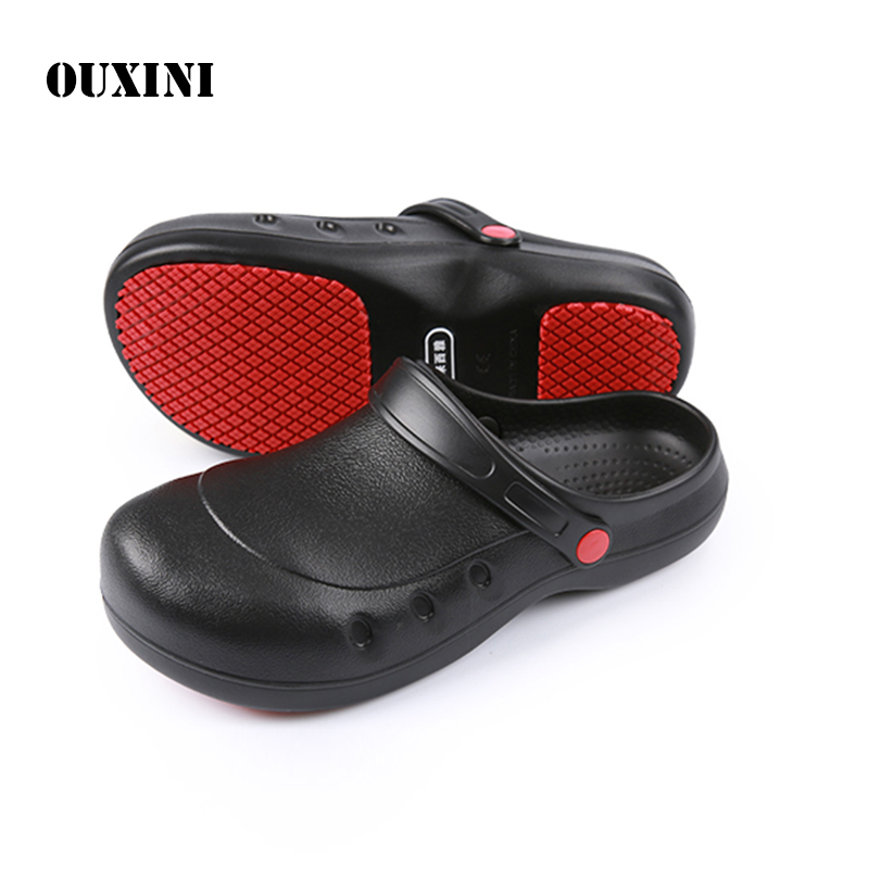 Kitchen Work Shoes Non-slip Waterproof Oil-proof Black Steel Toe Caps Working Safety Chef Shoes Hotel Restaurant Cook  Slippers