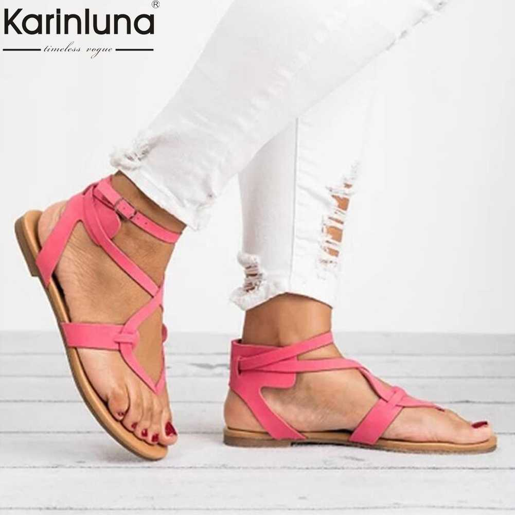 INS ร้อนกระชับแบน gladiator รองเท้าแตะผู้หญิง 2019 ฤดูร้อนขนาดใหญ่ 35-43 ลำลองผู้หญิงรองเท้าผู้หญิง