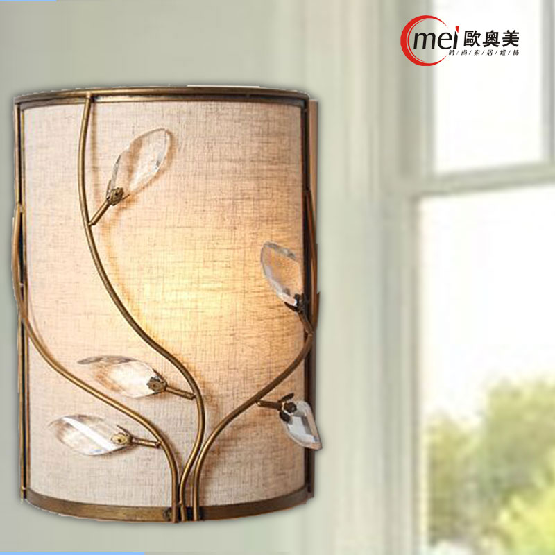 Classic crystal chandelier wall light gold crystalline wall sconce lamp LED foyer living room bedside glass crystal wall lampClassic crystal chandelier wall light gold crystalline wall sconce lamp LED foyer living room bedside glass crystal wall lamp