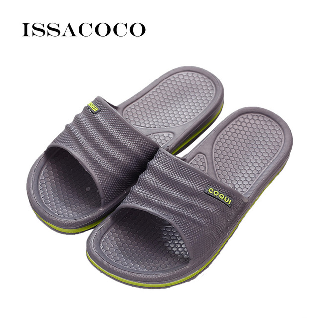 aafa294bdd19f ISSACOCO 2018 Slippers Shoes Sandal Men Summer Shoes Flip Flops Non-slip  Solid Color Home Slippers Pantuflas Chinelo Terlik