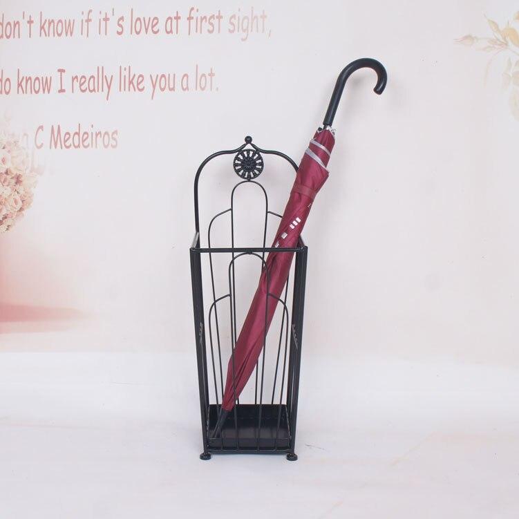 Métal parapluie rack carré contenant parapluie baril type de sol parapluie baril entrée crémaillère