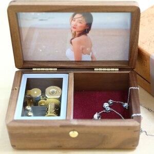 Image 3 - Sinzyo Handmade ไม้กรอบรูป My heart will go Walnut Music box ของขวัญวันเกิดสำหรับคริสต์มาส/วาเลนไทน์วันของขวัญกล่อง