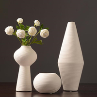New Chinese Jingdezhen Porcelain Creativity Modern Style White Tabletop Vases Ceramic Vases for Wedding Home Decoration Gifts